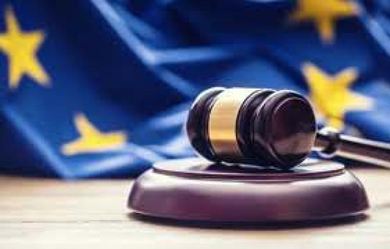 Corte Ue: assegni familiari anche ai lavoratori stranieri con coniuge o figli in Patria